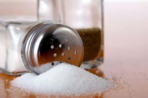 Как правильно солить продукты во время приготовления