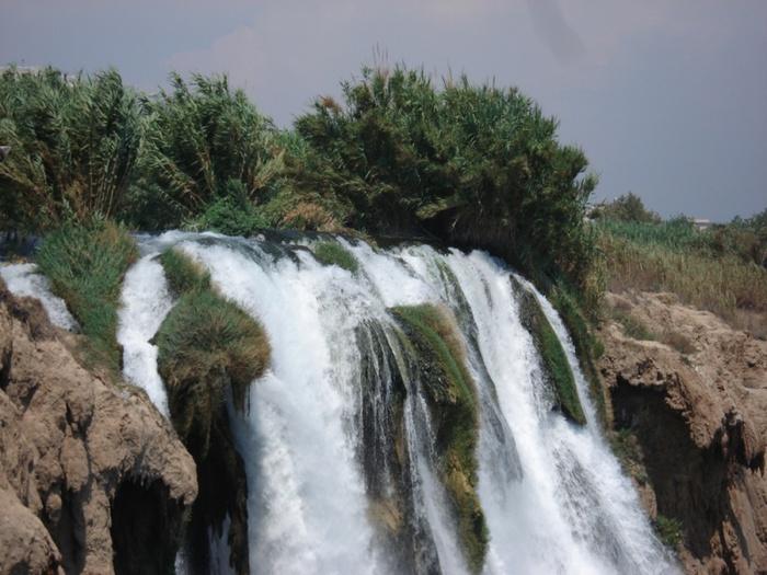 800px-Водопад_в_Анталии,_Турция (700x525, 140Kb)