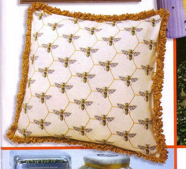 подушка с сотами карт (606x549, 136Kb)