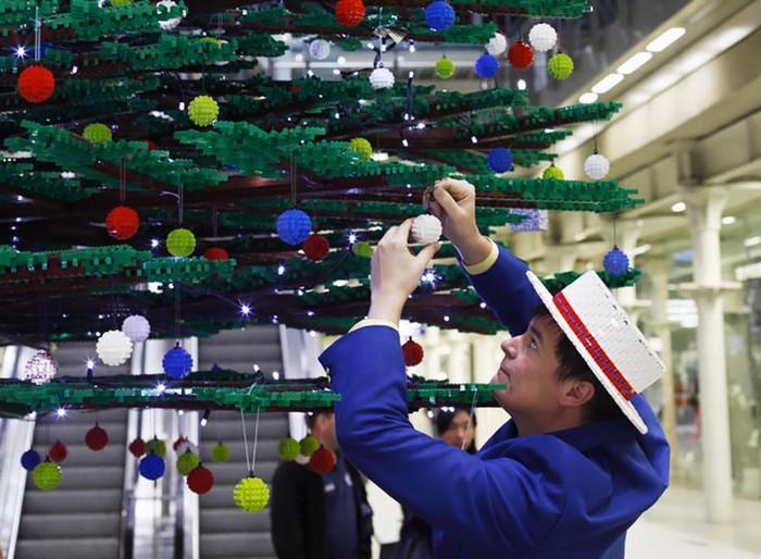lego-christmas-tree-1 (700x514, 104Kb)