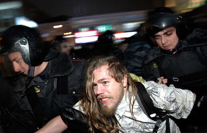 Задержание участников митинга на Чистых прудах Москва Reuters photo (700x450, 89Kb)
