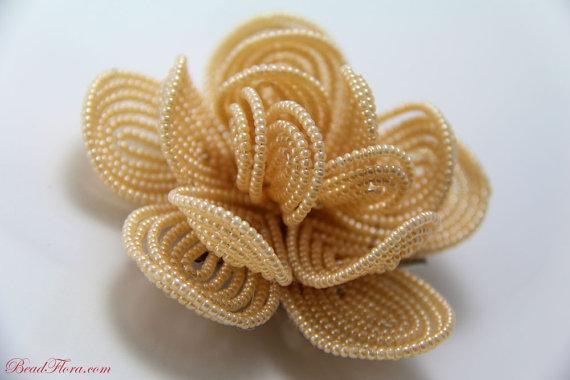 Цветы из бисера.  Георгин.  Схема.  Французская техника плетения бисером.  Поделки из бисера для начинающих.