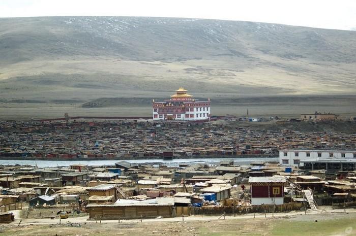 yarchen-monastery-33 (700x465, 102Kb)
