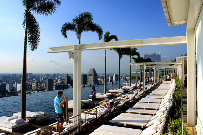 Marina_bay_sands_skypark (700x466, 243Kb)