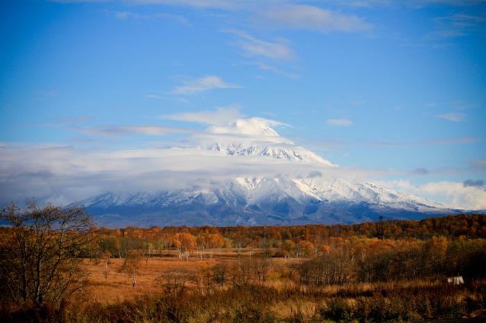 природа снежная вершина над долиной (700x465, 362Kb)