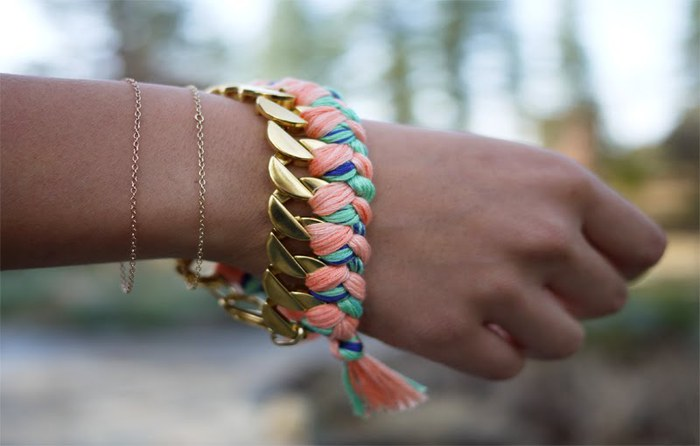 Как сделать своими руками браслеты фото