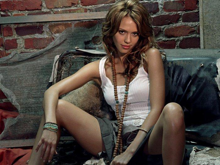 Jessica Alba 36 (700x525, 90Kb)