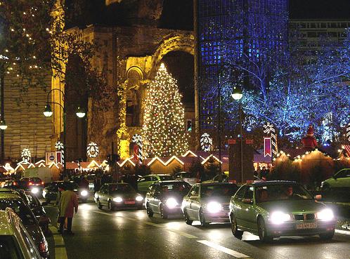 Вся Европа перед Рождеством и Новым Годом просто сверкает, но в Германии...