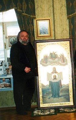 1323731917_MOsipenko_s_PortArturskoy_ikonoy_v_Memorial_noy_Kvartire_sv_Ioanna_Kronshtadtskogo___l62_4 (250x396, 23Kb)