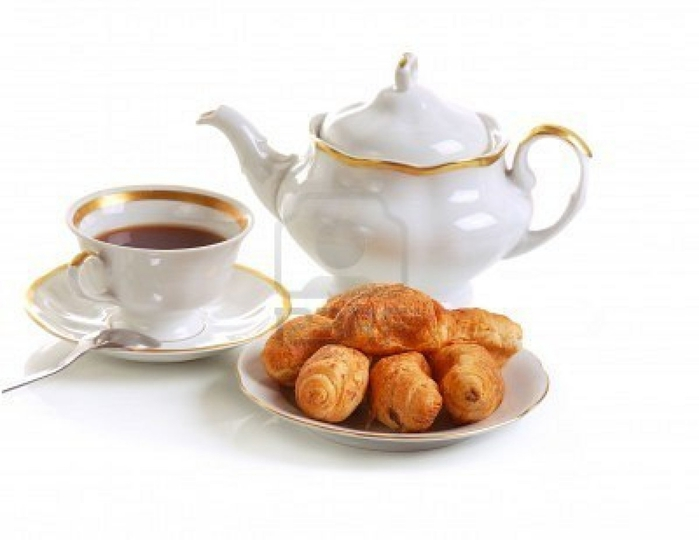 2619225-cup-of-tea-and-croissants-on-white (700x540, 130Kb)