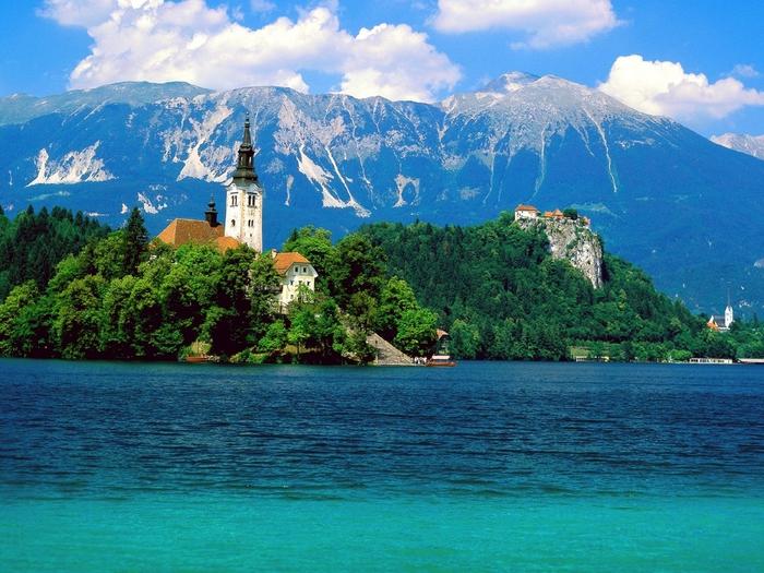 Lake Bled,  Slovenia (700x525, 344Kb)