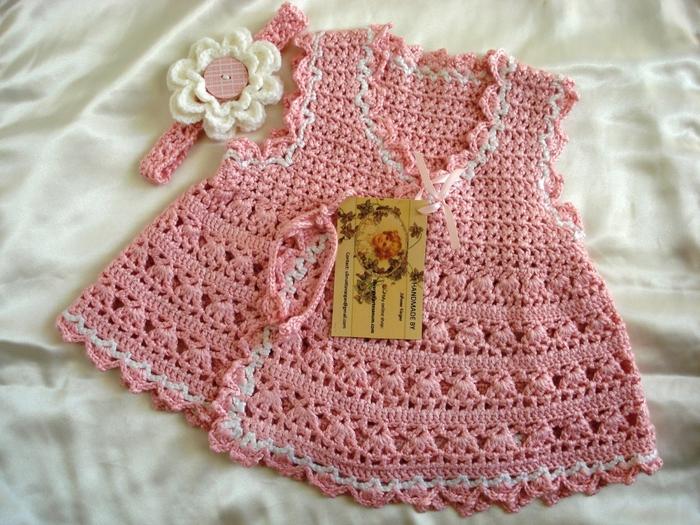 Посмотрите какие детские платья можно связать крючком.  Схемы вязания подробные Удачи...