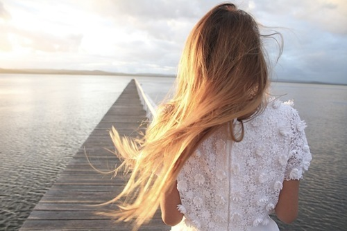 девочка с русыми волосами