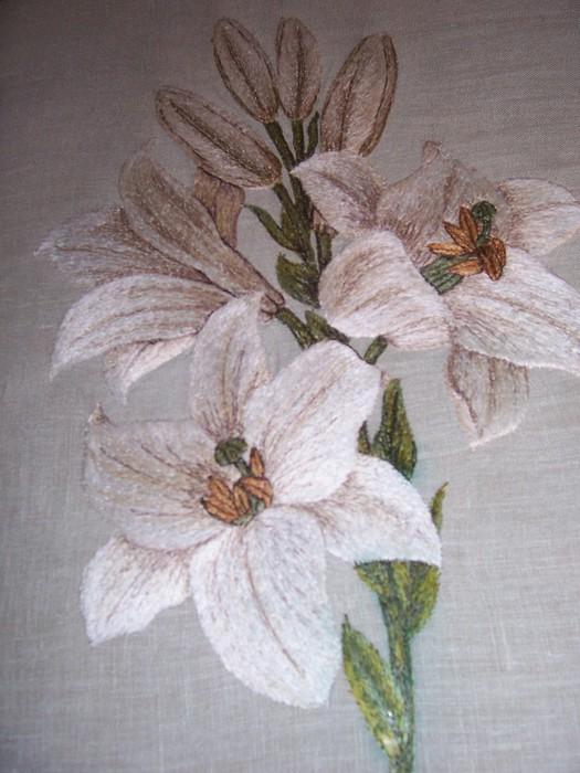 Вышивка гладью лилии схема