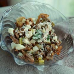 1324633392_gribnoj-salat-s-yajcom-i-marinovannymi-ogurcami (250x250, 14Kb)