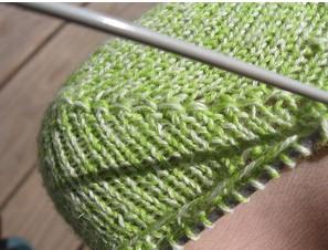 Учимся вязать носки спицами с пяткой