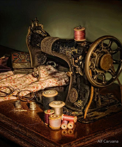 17 Alf Caruana «Vintage sewing machine» (426x512, 96Kb)