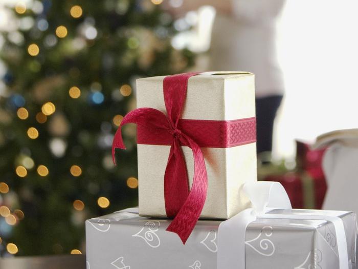 presents (700x525, 101Kb)