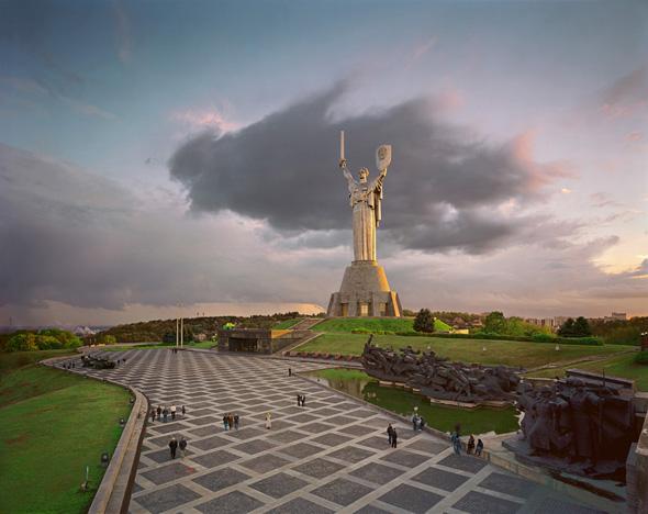 Motherland-Kiev (590x468, 985Kb)