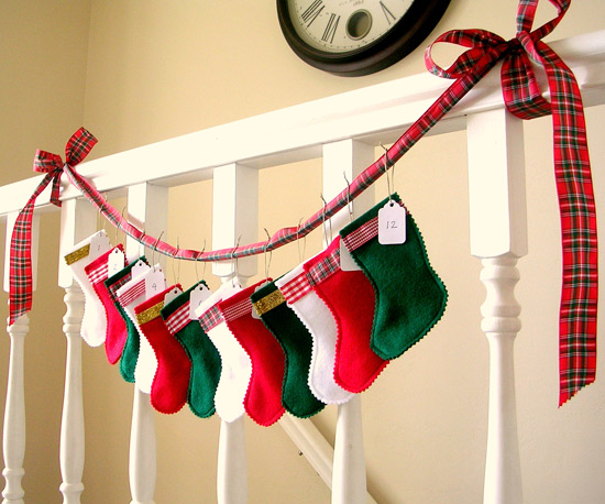christmas-stockings2 (550x458, 89Kb)