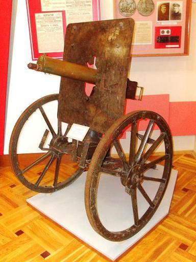 03 пулемет в музее (384x512, 36Kb)