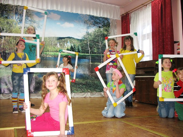 дети (640x480, 100Kb)