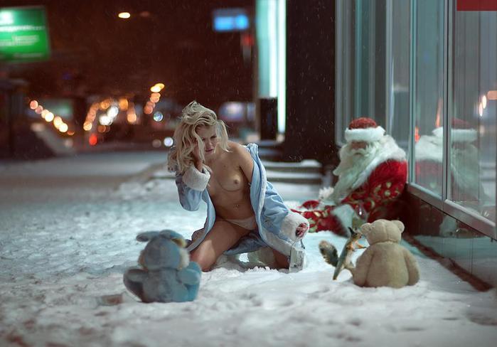 1 пьяная снегурочка Дед Мороз Новый год (700x488, 43Kb)