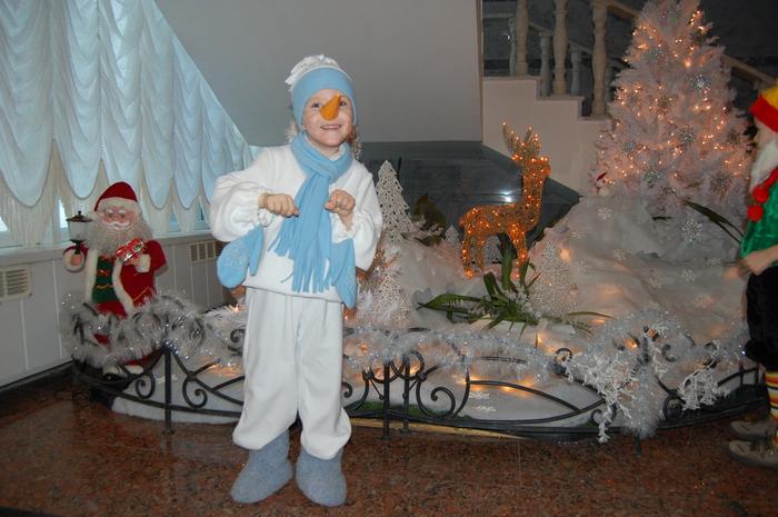 Костюм снеговика для мальчика своими руками с