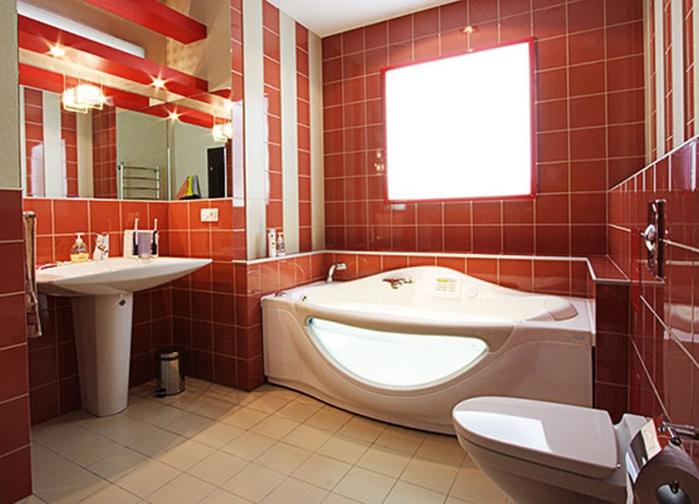 Сочетание коричневого и бежевого в ванной.