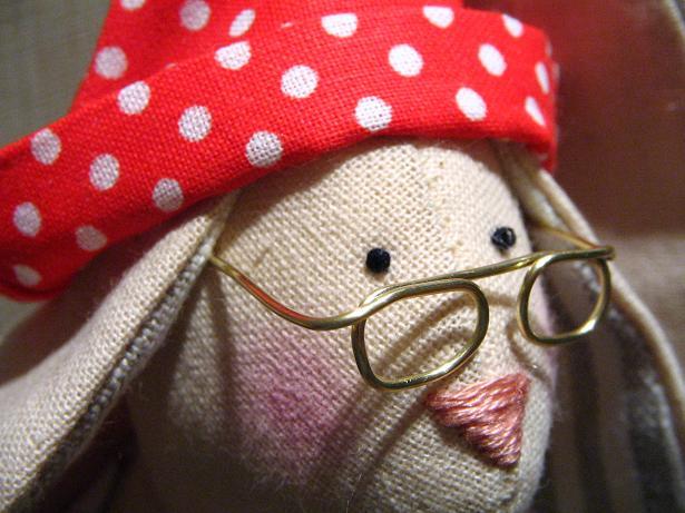 Как сделать кукле очки