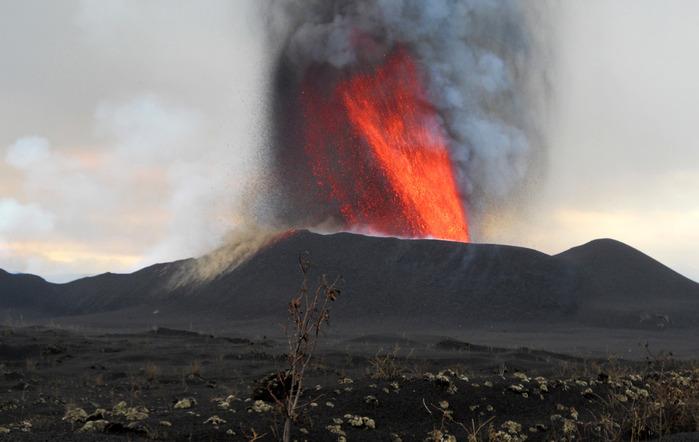 volcanoes_18 (700x442, 80Kb)