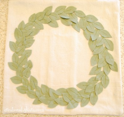 pottery-barn-wreath-pillow-030-400x377 (400x377, 32Kb)