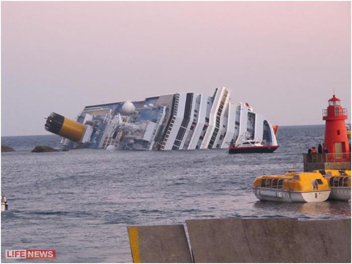 Гибель лайнера напомнила туристам кадры из Титаника