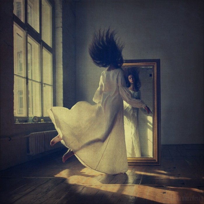 Удивительная левитация в фотографиях разных авторов