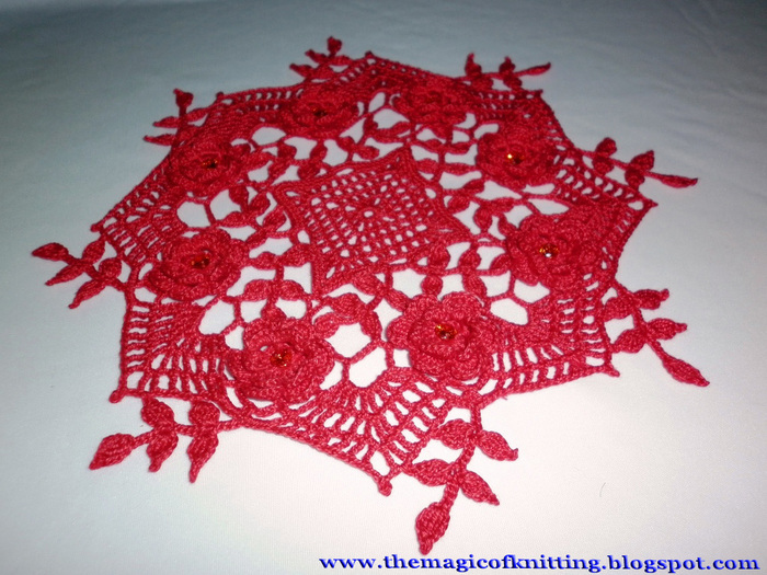 Red Rose Doily (700x525, 178Kb)