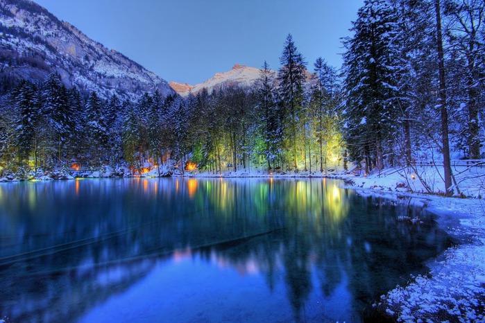 На холодно-синем стекле воды - Blausee 39704