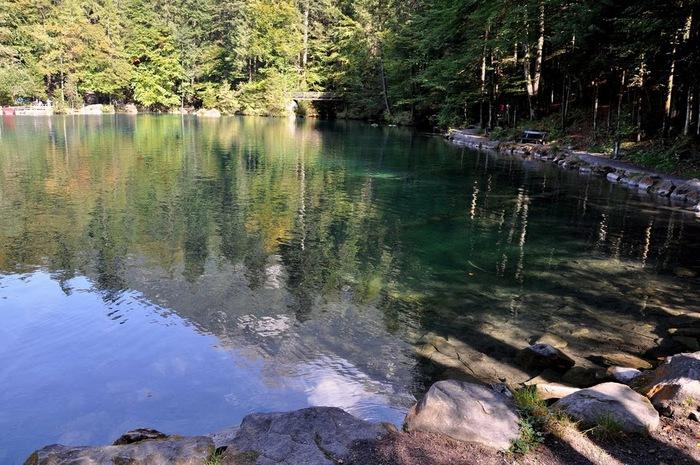 На холодно-синем стекле воды - Blausee 57615