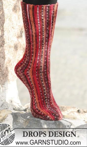 Длинные носки ,связанные поперечной вязкой на двух спицах-от Дропс/4683827_20120116_020340 (354x593, 66Kb)