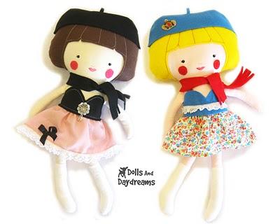 4360308_dress_up_dolls_2_copy (400x320, 30Kb)