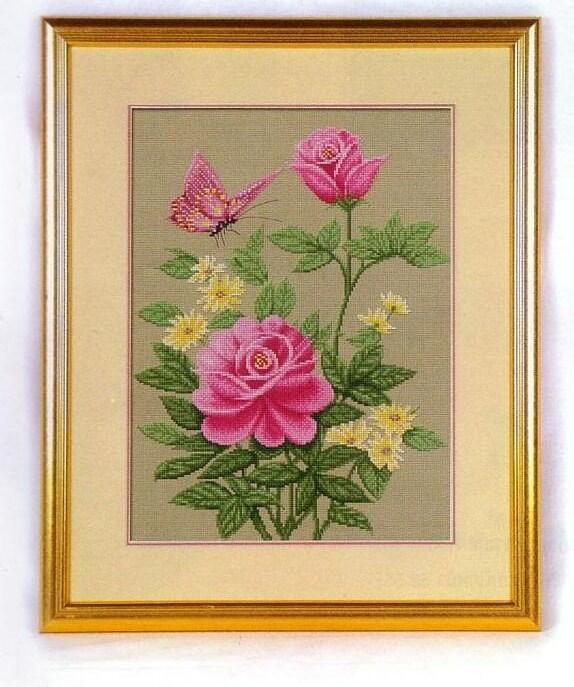 роза и бабочка (574x687, 104Kb)