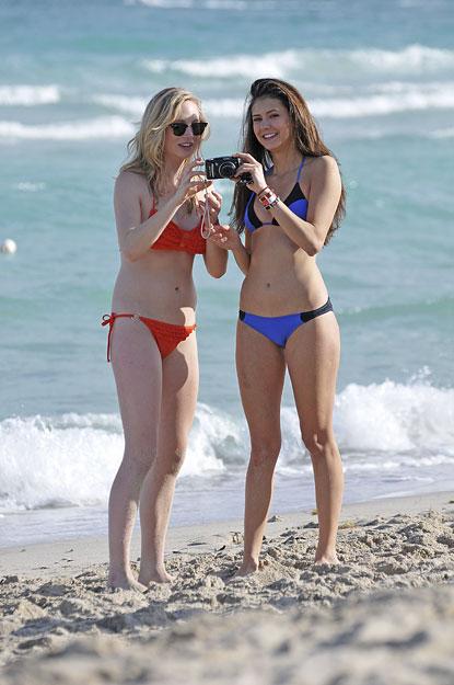 Актрисы на пляже фото 803-335