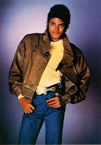 MJ_-_Thriller25_-_PRESS_SHOT_5 (351x500, 21Kb)