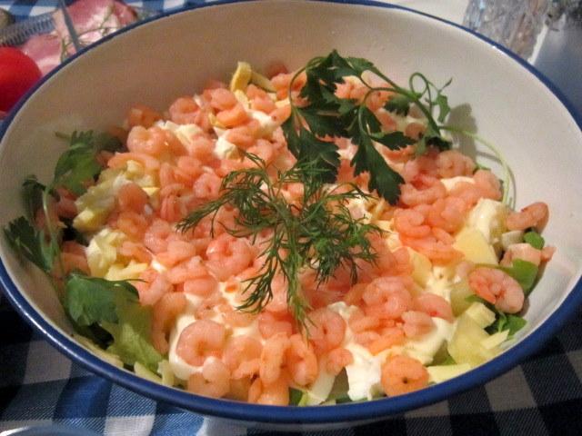 Салат праздничный с креветками