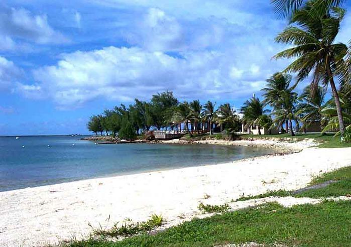 Белоснежный_пляж_Гуама (700x492, 112Kb)