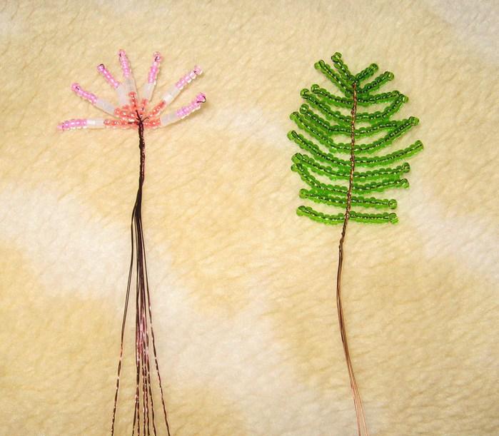 Дерево из бисера Материалы Бисер розовый, персиковый, белый, зеленый; проволока, гипс, клей ПВА, скорлупа яиц...