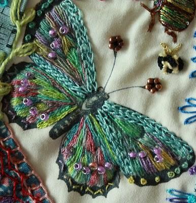 Одежды вышивка шерстью