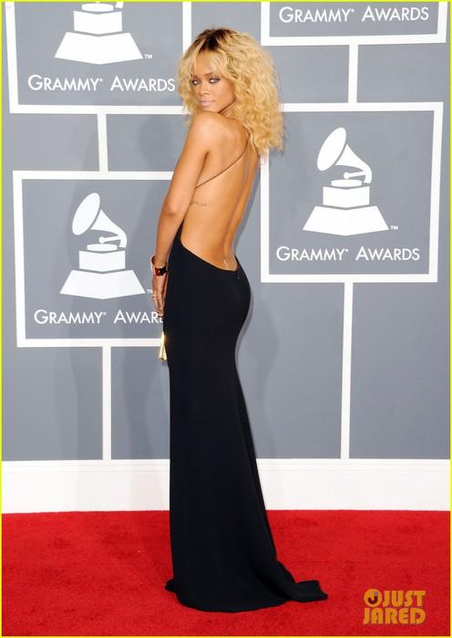 rihanna-grammy-awards-2012-07 (496x700, 63Kb)