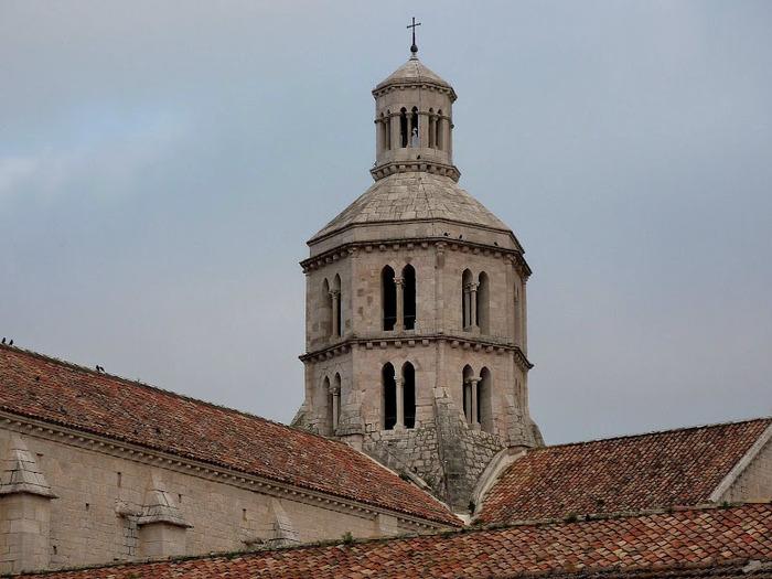 Бенедиктинское аббатство Фосанова :Fossanova 12716