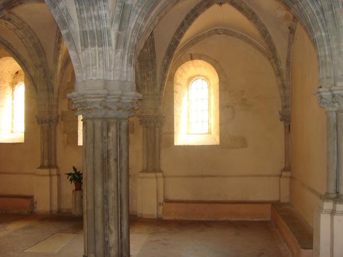 Бенедиктинское аббатство Фосанова :Fossanova 14078