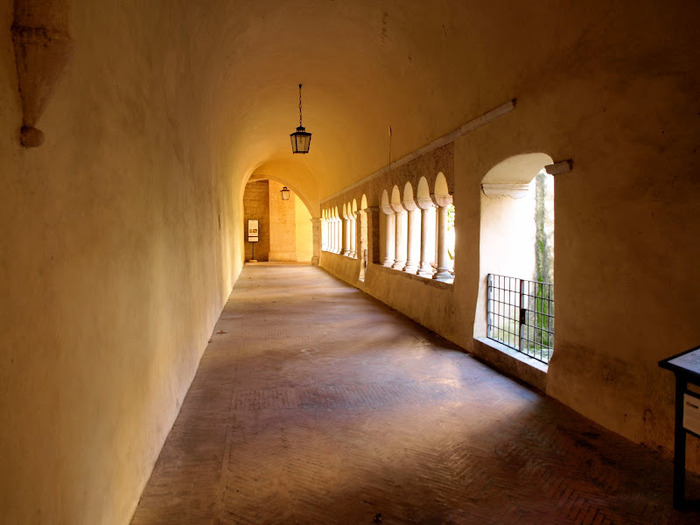 Бенедиктинское аббатство Фосанова :Fossanova 86147